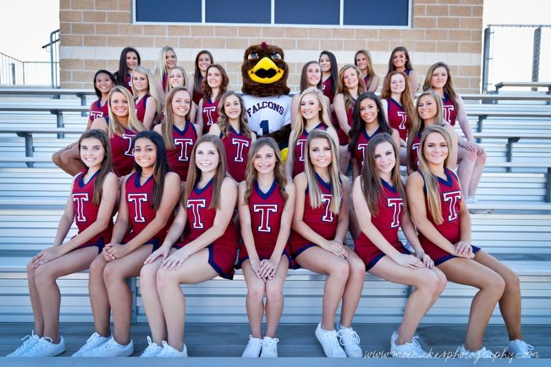 2015/2016 JV and Varsity cheerleaders.