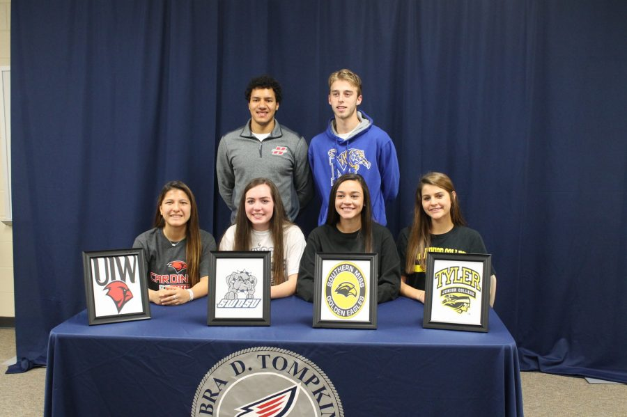 AJ+Tademy%2C+Alex+Bruce%2C+Cailey+Croson%2C+Mikylin+York%2C+JoAnnie+Ramos+and+Elena+Wolf+at+National+Signing+Day+%2F+PHOTO+BY+ALYSSA+BRIM