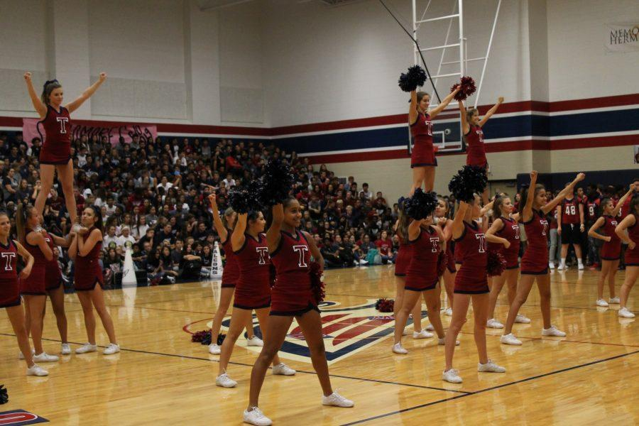 Try-outs Settle Cheer Team For Next Year
