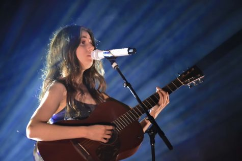 Dodie and Melcher perform recently at HoB